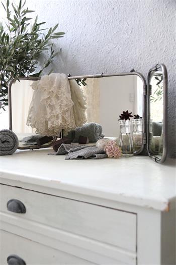 Spiegel - drei Flügel